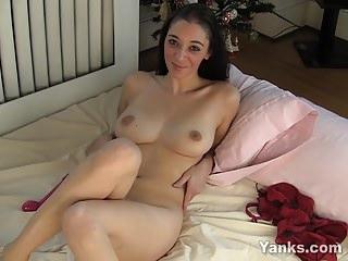 Brunette Sandra Toy Her Twat For Orgasm